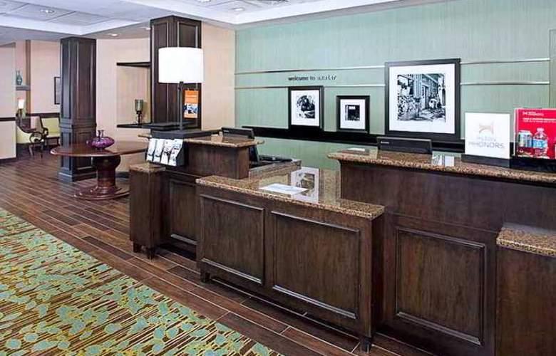 Hampton Inn & Suites Exeter - Hotel - 0