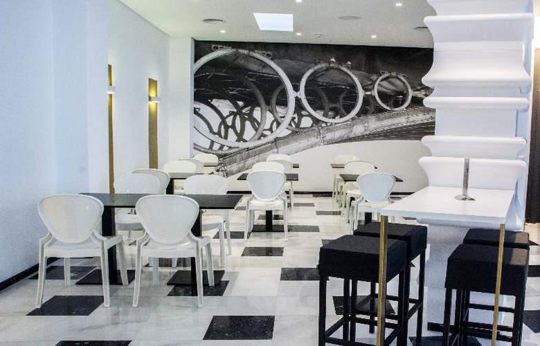 Monte Triana - Restaurant - 37