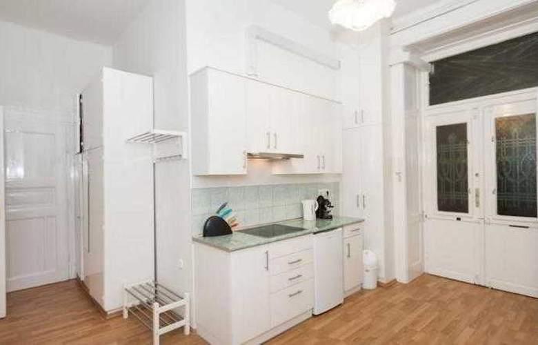 Grand Boulevard Apartments - Room - 5