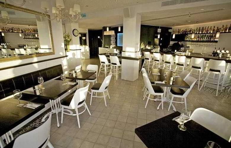 Gordon Bauhause Boutique Hotel & Lounge - Bar - 4