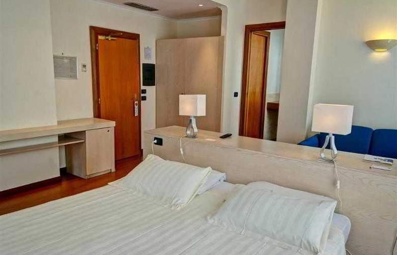 Best Western Globus - Hotel - 14