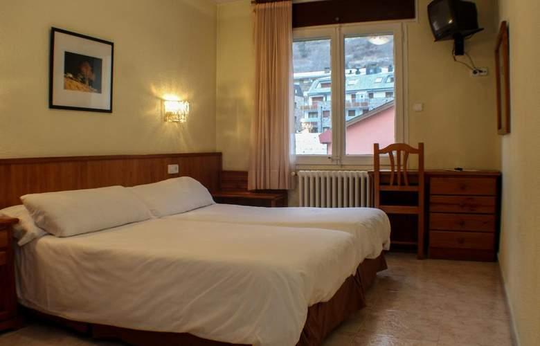 Evenia Oros - Room - 10