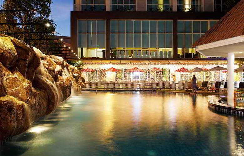 Centara Pattaya Resort - Pool - 19