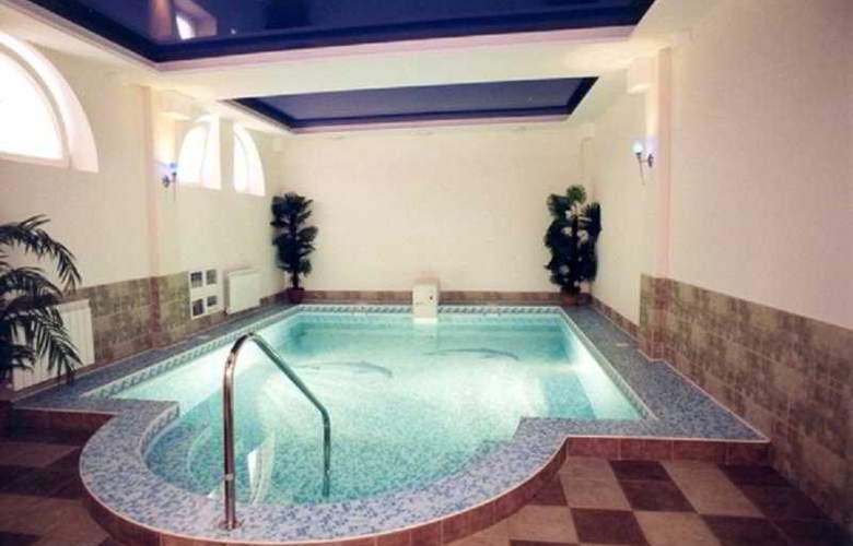 Prestige - Pool - 11