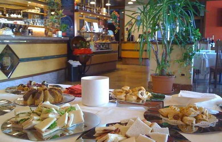Al Pino Verde - Restaurant - 11
