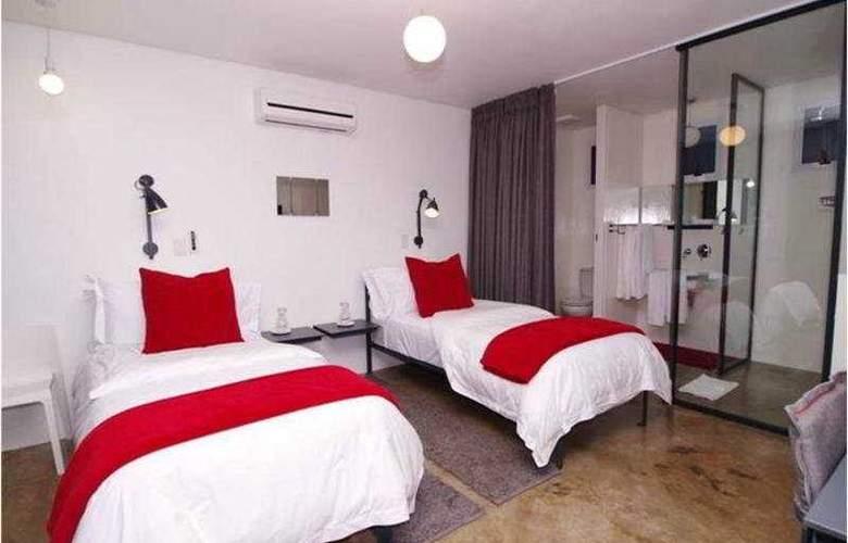 64 on Gordon Hotel - Room - 2