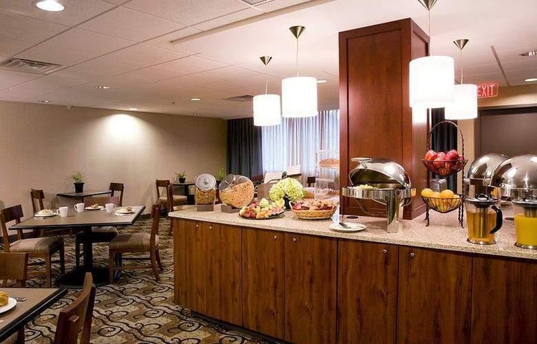 Best Western Plus Hotel Tria - Restaurant - 124