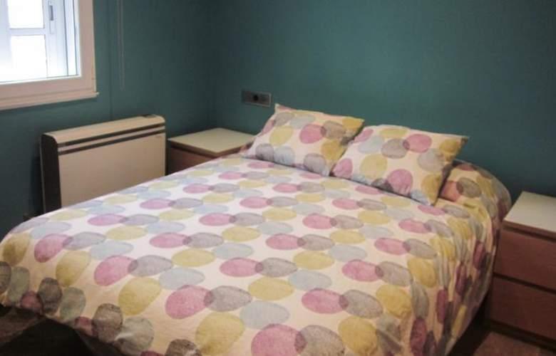 Apartamentos Camilo - Room - 15