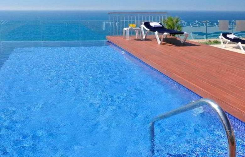 Catalonia - Pool - 6