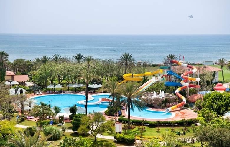 Belconti Resort - Pool - 72