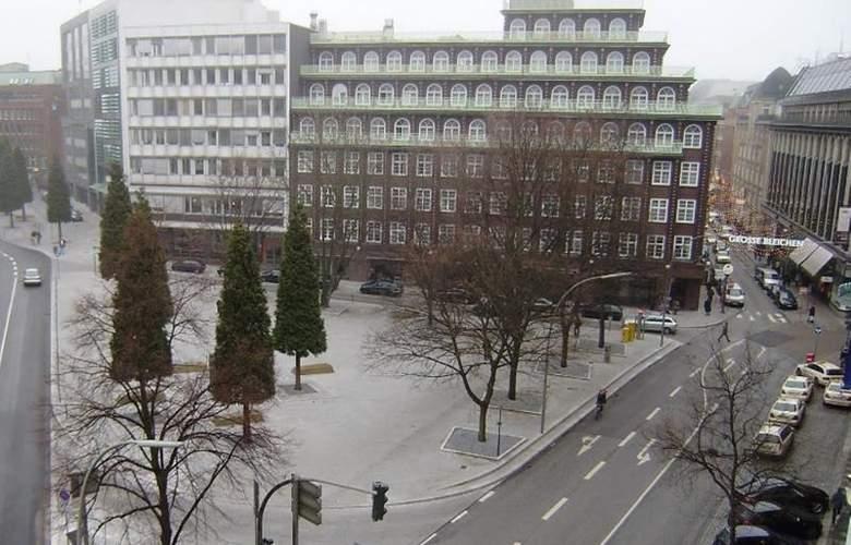Renaissance Hamburg - Hotel - 4