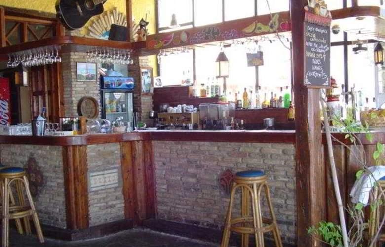 Charlina - Bar - 2