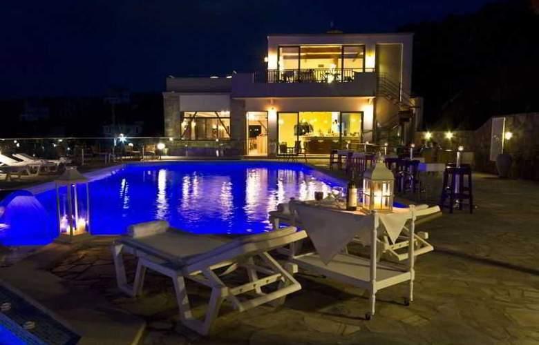 Happy Cretan Suites - Pool - 11
