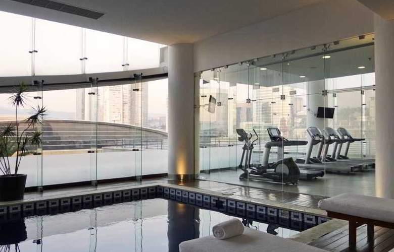 DoubleTree by Hilton Hotel México City Santa Fe - Pool - 29