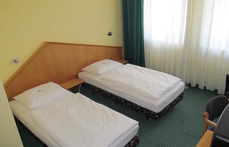 A2 - Room - 1