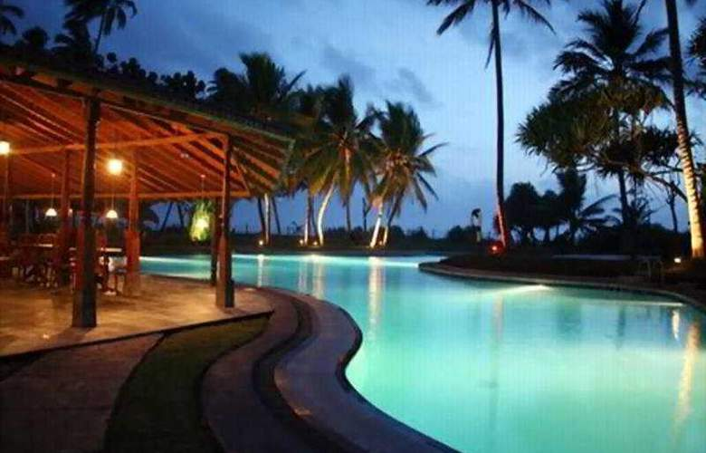 Kosgoda Beach Resort - Pool - 2