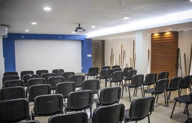 Soberanis Hostal - Conference - 9