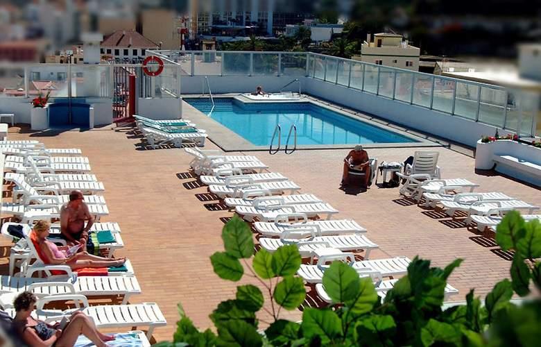 Elegance Dania Park - Pool - 8