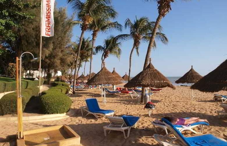 Palm Beach Hotel - Beach - 5