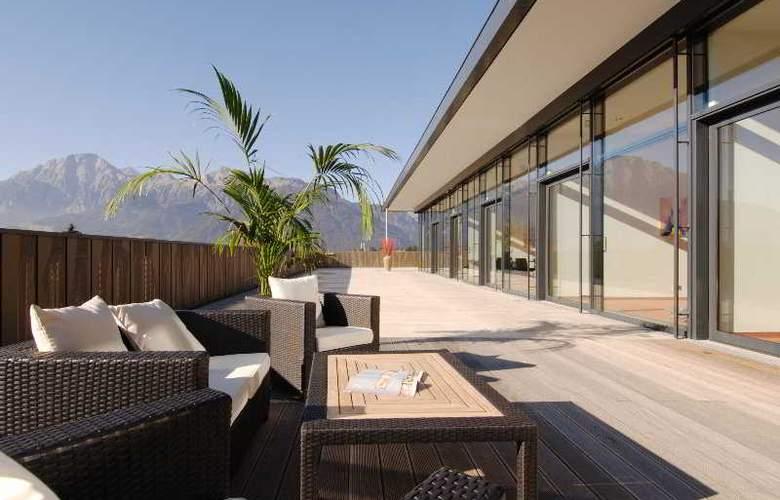 Hindenburg Hotel - Terrace - 6