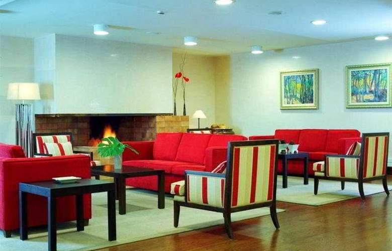 Centric Atiram - Hotel - 0