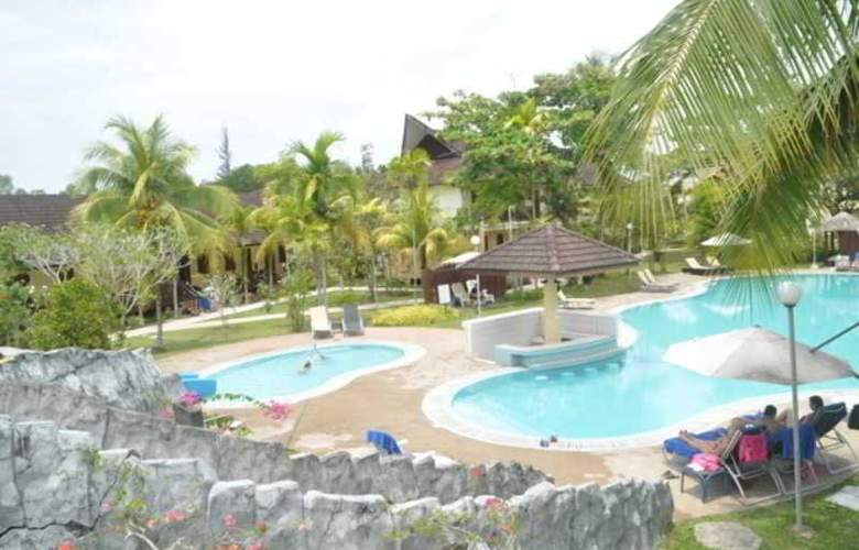 Beringgis Beach Resort & Spa - Pool - 33