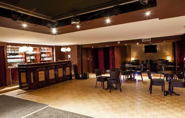 Progress Hotel - Bar - 10