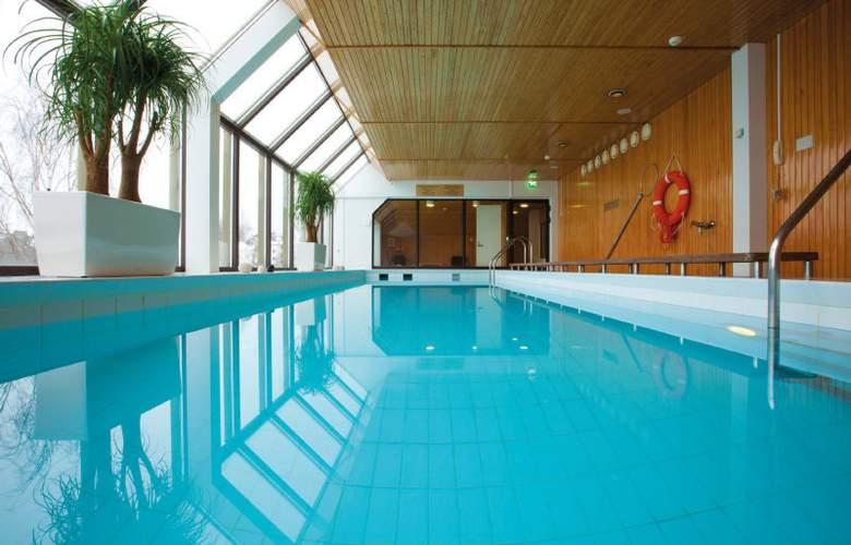 Radisson Blu Espoo - Pool - 4