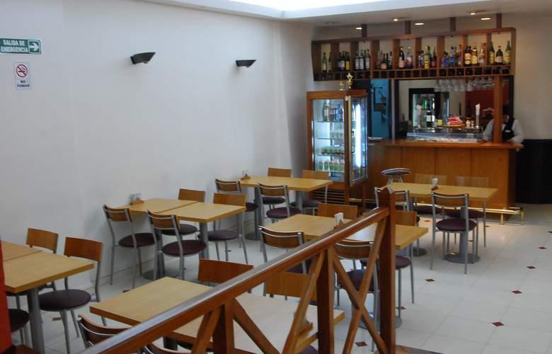 Gran Hotel Orly - Restaurant - 68