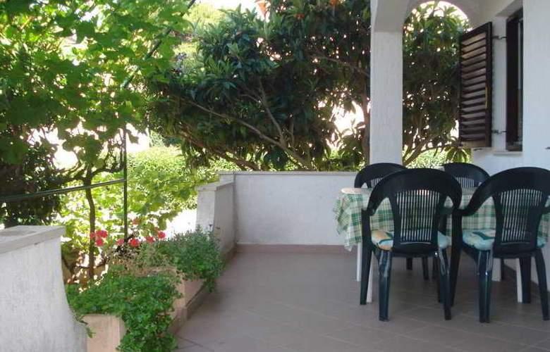 Apartments Burmeta - Hotel - 4