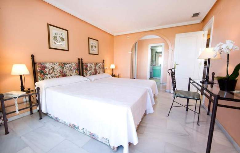 Monarque Sultan Aparthotel - Room - 17