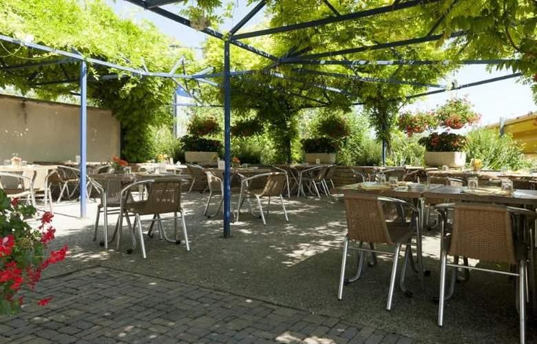 Kyriad Beaune - Terrace - 5