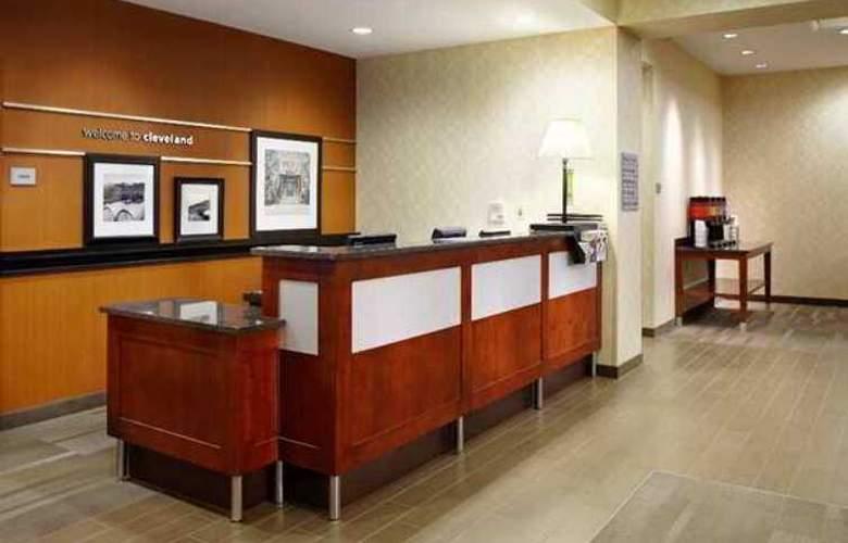 Hampton Inn Cleveland-Downtown - Hotel - 2