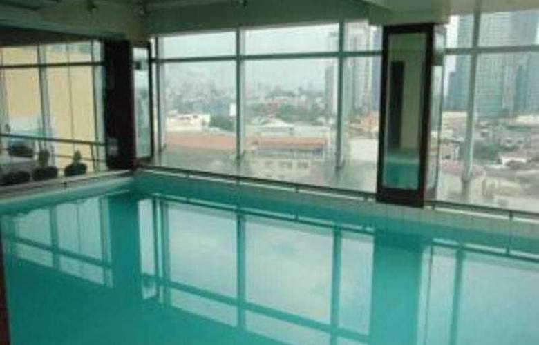 Great Eastern Hotel Makati - Pool - 0