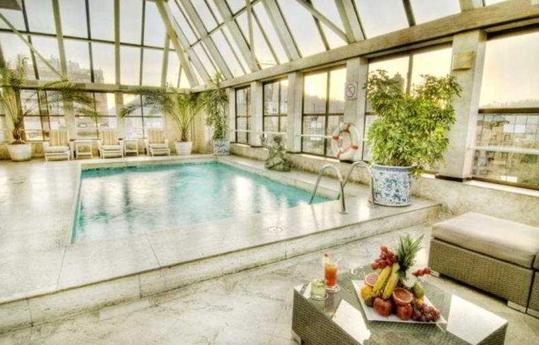 Park Plaza Santiago - Pool - 6