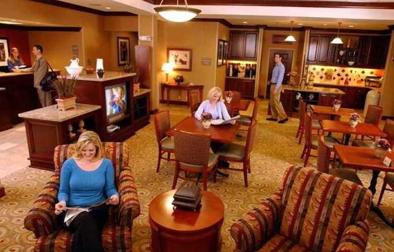 Hampton Inn Springfield - Hotel - 5