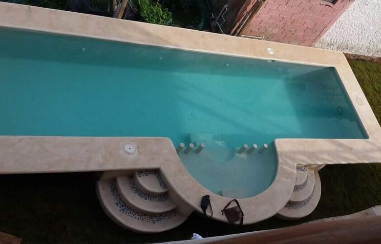 La Constanza de Rulo - Pool - 2