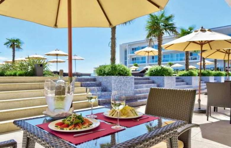 Yellow Lagos Meia Praia - Restaurant - 9
