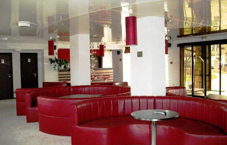 Alexander - Bar - 4