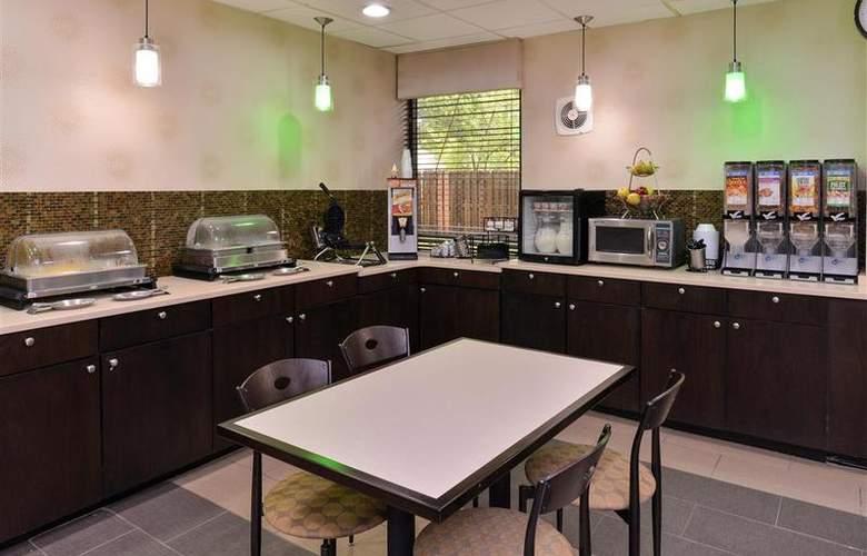Best Western Plus Richmond Airport Hotel - Restaurant - 109