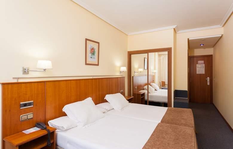 Ciudad De Compostela - Room - 10