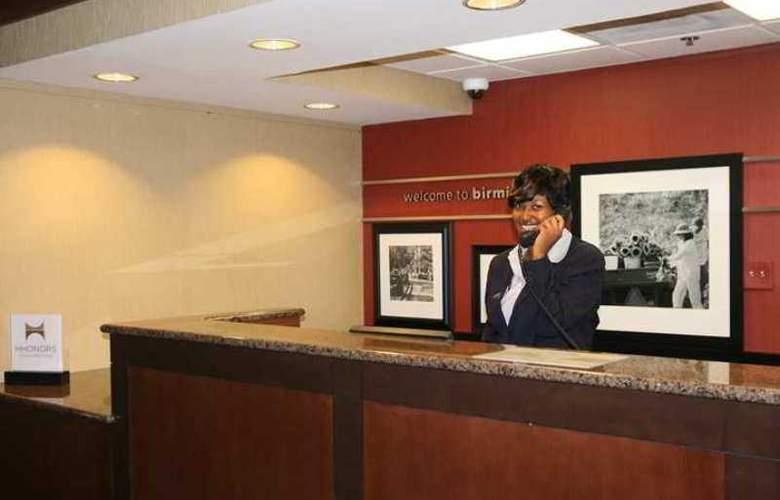 Hampton Inn Birmingham/Mountain Brook - Hotel - 0