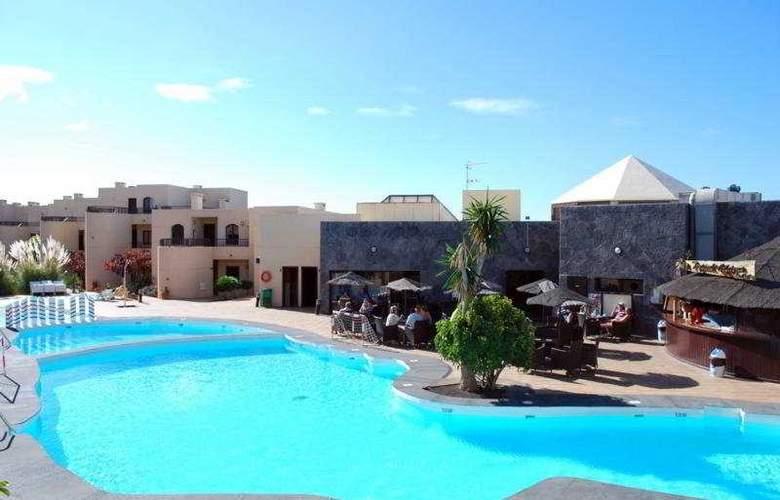 Blue Sea Costa Teguise Gardens - Pool - 7