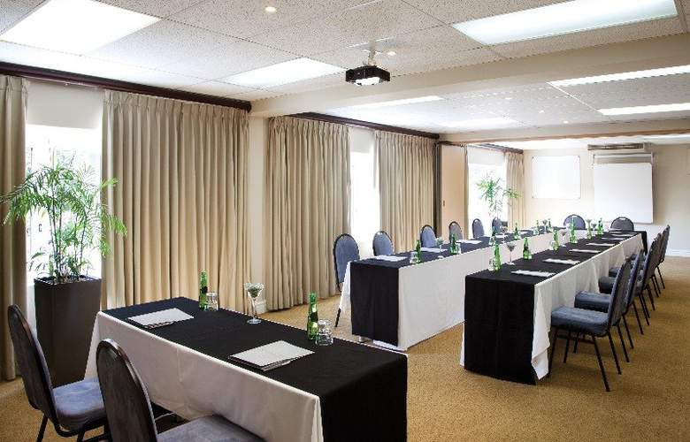 Cape Town Hollow Boutique - Conference - 6