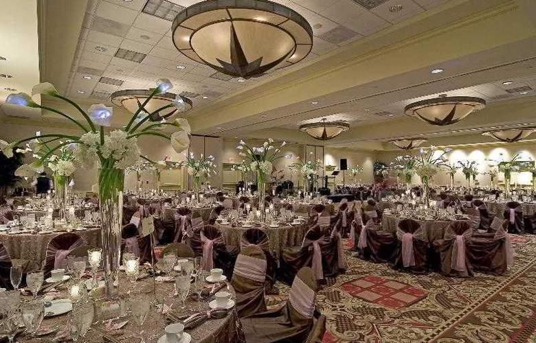 Sheraton Suites Houston near the Galleria - Hotel - 17