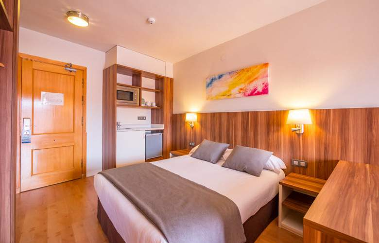 Golden Avenida Suites - Room - 8
