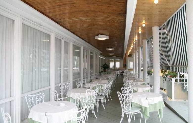 Park Hotel Suisse - Terrace - 7