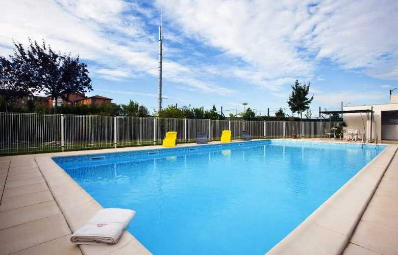 Residhome Toulouse Occitania - Pool - 23