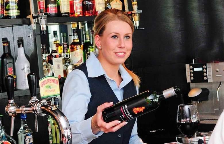 Best Western Eindhoven - Bar - 37