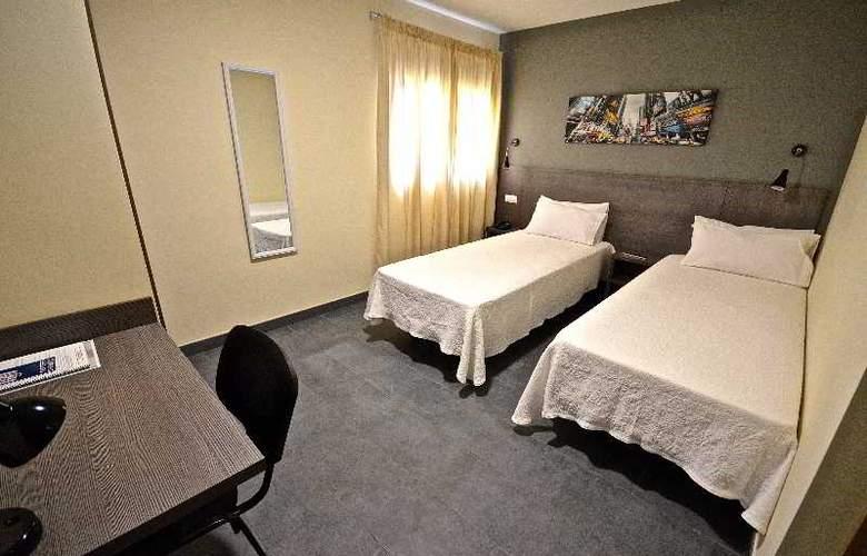 Hotel Puerto Canteras - Room - 11